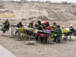 Peruvian school children